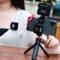 Suporte de Celular em Alumínio com Encaixe para Microfones ou Leds - Ulanzi